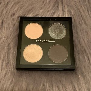 💚MAC Eyeshadow Quad💚